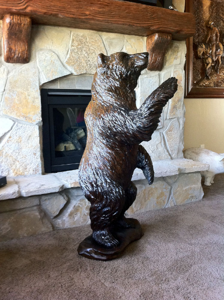 Bear Wood Carving Image